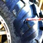 Ремонт прокола бескамерного колеса квадроцикла. Видео.